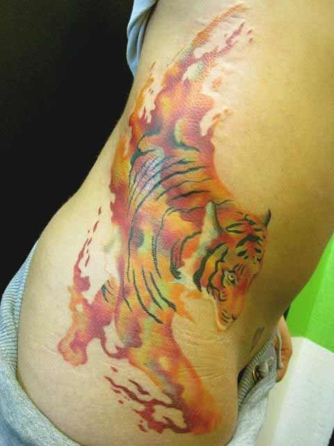 Watercolor tiger tattoo on ribs ideas for girls